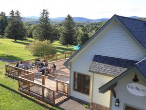 Mulligan's Pub at Windham Country Club aerial view