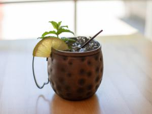 moscow mule with lime and mint