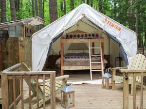 Purling waters glamping tent
