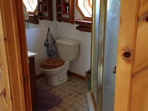 Armstrong's Elk Farm Guest House Bathrooms
