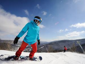 Snowboarder at Hunter Mountain Resort